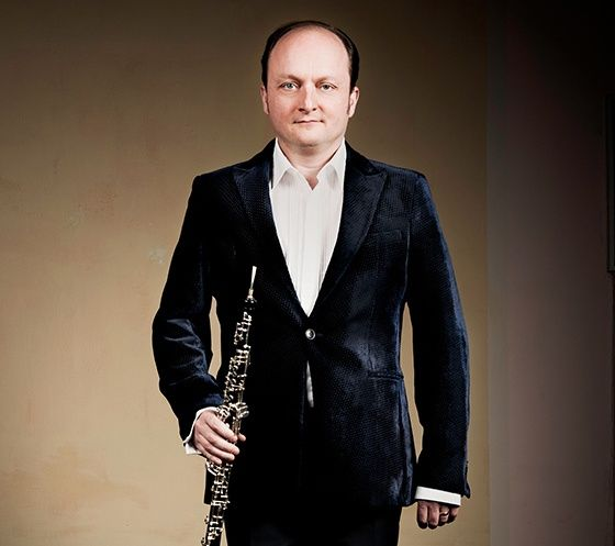 FRANÇOIS LELEUX oboist of the month